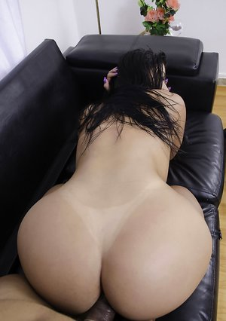 Free Huge Tits Anal Porn