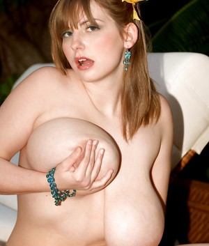 Free Huge Tits Outdoor Porn