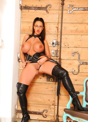 Free Huge Tits in Boots Porn