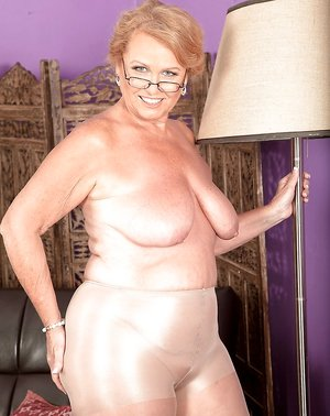 Free Huge Tits in Pantyhose Porn