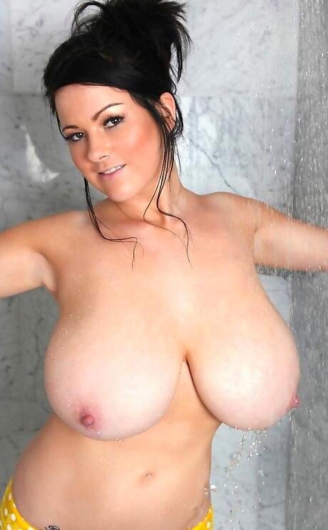 Free Huge Tits in Bath Porn
