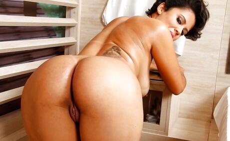 Free Latina Huge Tits Porn