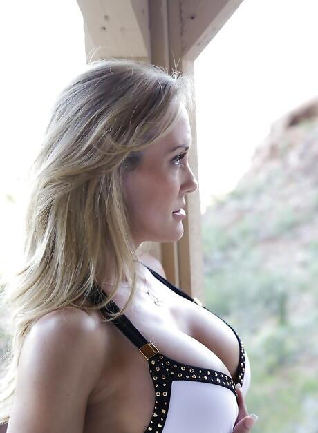Free Blonde Milfs Porn