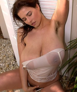 Free Huge Tits Hairy Pussy Porn