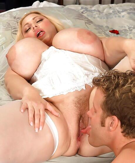Free Huge Tits Pussy Lick Porn
