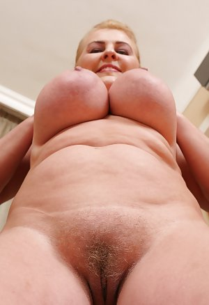 Free Huge Tits Babes Porn