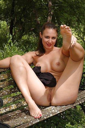Free Huge Tits Sexy Legs Porn