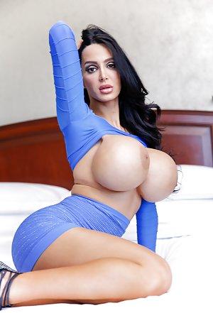 Free Huge Tits Pornstars Porn
