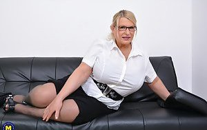 Free Huge Tits Mature Porn